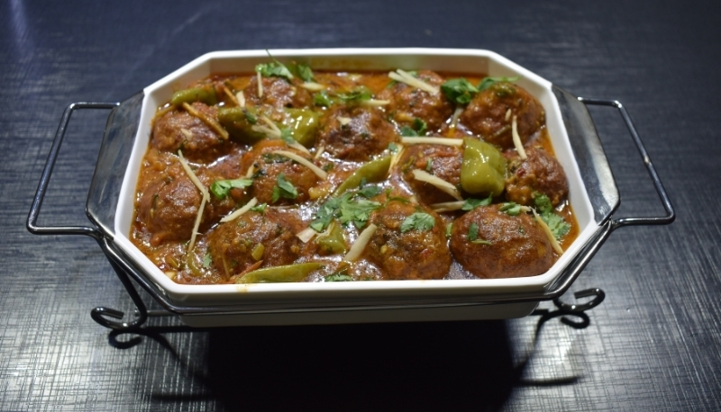 HOW TO MAKE CHICKEN KOFTA CURRY? - Meazzy